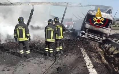 Tir contro auto sulla A1, tra Orvieto e Fabro: due morti