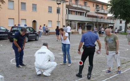 Entra al museo e accoltella più persone, una vittima. Arrestata 58enne