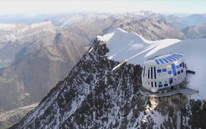 Stop alla folla sul Monte Bianco, dal 2019 in vetta solo col permesso