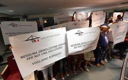 Le proteste degli sfollati a Genova