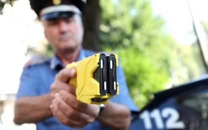 Sicurezza, forze dell'ordine avranno il taser
