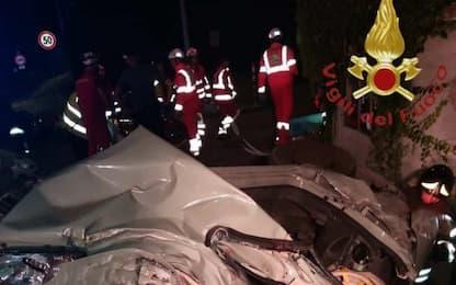 Incidente stradale a Gunzate, nel Comasco: morti tre ventenni