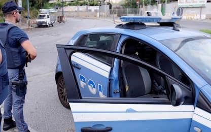 Napoli, non si ferma all'alt della polizia: denunciato 35enne