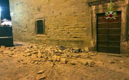 Città di Castello, crollo intonaco duomo