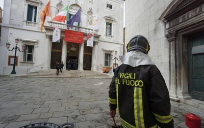Venezia, incendio al teatro La Fenice: situazione sotto controllo
