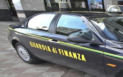 Bergamo, lavorano in nero ma hanno disoccupazione: scoperti da Finanza