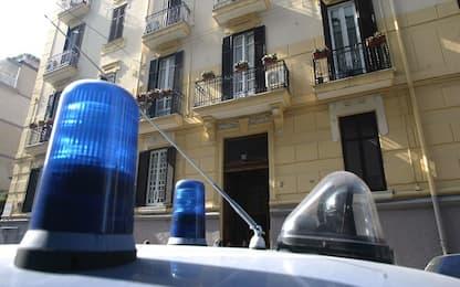 Palermo, rapine violente in piazza Croce dei Vespri: due arresti