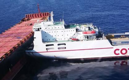 """Collisione tra navi in Corsica, Francia: """"Onda nera sotto controllo"""""""