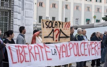Genova, protestano gli sfollati. Antitrust: bene escludere Autostrade