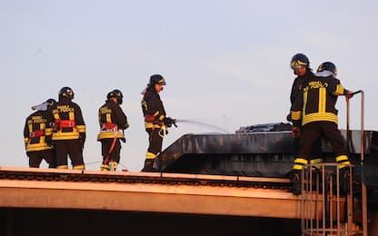 Incendio in appartamento a Roma, evacuato l'intero palazzo