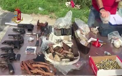 Arsenale sotterrato in villa, 3 arresti a Palermo