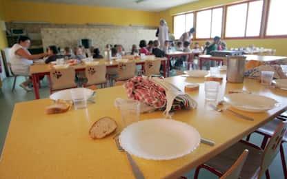 """Napoli, Carfagna: """"Da lunedì migliaia di bambini a scuola senza mensa"""""""