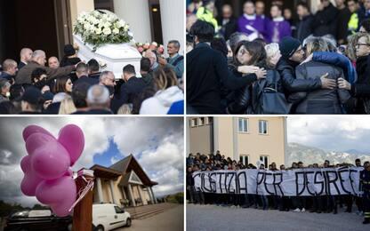 """Desirée, ai funerali palloncini e magliette con la scritta """"Giustizia"""""""