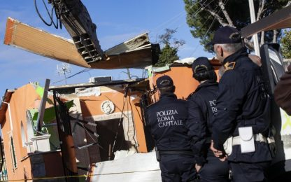 Roma, Casamonica: Raggi presente all'abbattimento dell'ultima villa