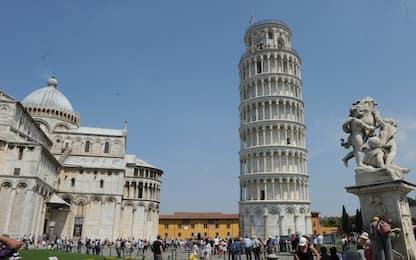 Torre di Pisa costruita da Bonanno Pisano, firma scoperta su incisione