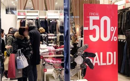 Saldi, acquisti per il 41% italiani: scarpe l'articolo più gettonato