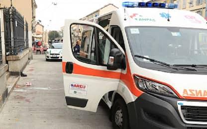 Napoli, colpito da malore perde il controllo dell'auto: morto 82enne
