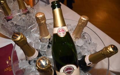 Spumante italiano re anche di Capodanno: 74 milioni di bottiglie