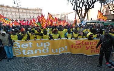 01-manifestazione-roma-razzismo-migranti-lapresse