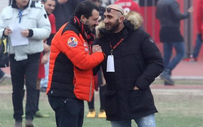 "Salvini saluta ultras Milan condannato: ""Io indagato tra indagati"""