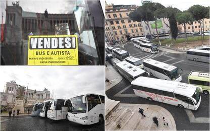 Roma, bus turistici fuori dal centro storico: proteste