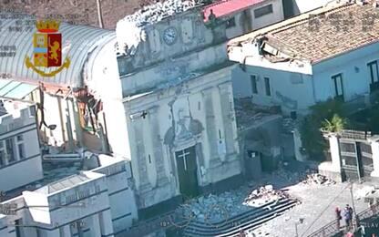 Terremoto nel Catanese, eruzione ed edifici crollati visti dall'alto