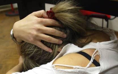 Drogava e abusava di una bimba: 30enne arrestato a Como