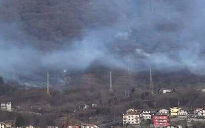 Como, incendio a Montemezzo: boschi in fiamme. Sorico: due intossicati