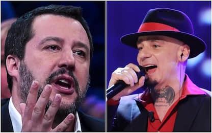 """Lite su Twitter tra J-Ax e Salvini, il cantante: """"Grazie per i baci"""""""