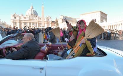 Epifania, Re Magi e Befane in piazza San Pietro