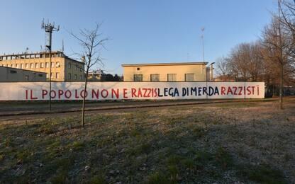 Milano, scritte con insulti su muri della storica sede della Lega