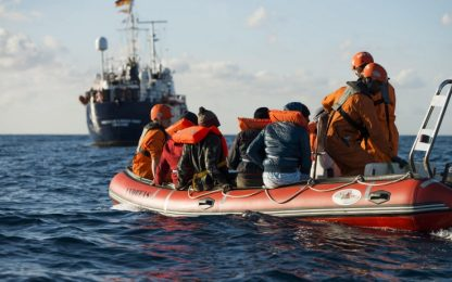 Gherardo Colombo lancia ong ResQ per salvare migranti in mare