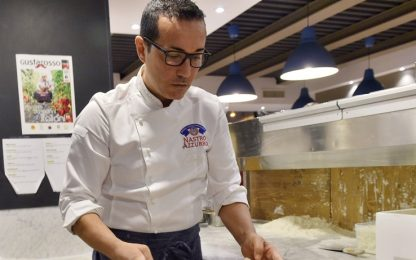 """Bomba in pizzeria, Sorbillo: """"Apertura segnale di coraggio e denuncia"""""""