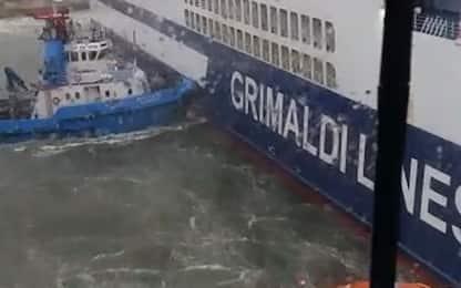 Incidente a Olbia, scontro tra navi Grimaldi e Tirrenia. VIDEO