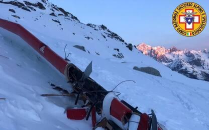 Schianto tra aereo ed elicottero in Valle d'Aosta, 7 morti