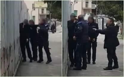 Detenuto tenta la fuga, agente lo ferma e gli punta pistola alla testa