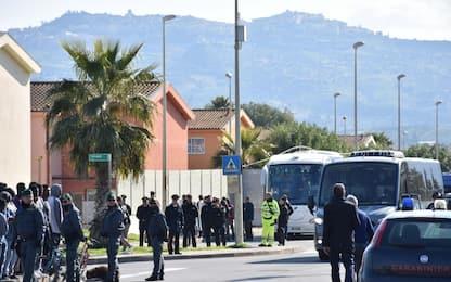 Cara di Mineo, iniziato il trasferimento dei primi 50 migranti