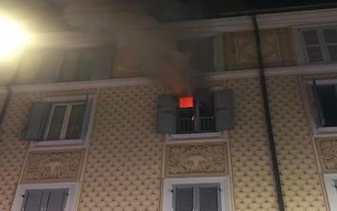 incendio-milano-via-salasco