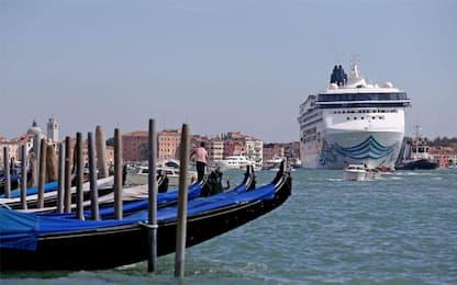 Venezia, Ministero dei Trasporti: via le grandi navi dalla laguna