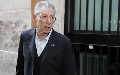 """Fondi Lega, Bossi: """"Io riabilitato, ma ormai defenestrato dal partito"""""""