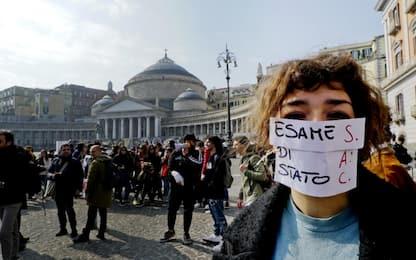 Maturità 2019, studenti in piazza a Napoli