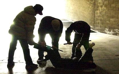 Monza, 15enne rapinato e picchiato da una baby gang