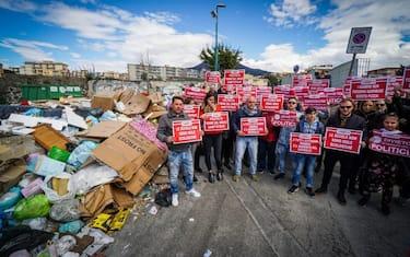 1protesta-rifiuti-torre-del-greco-ansa