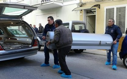 Autopsia su coniugi Castelvetrano esclude strangolamento della donna