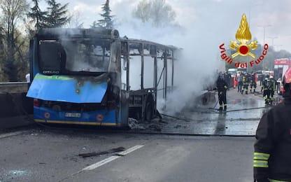 Autobus in fiamme a Milano, 50 ragazzini parte civile contro Sy