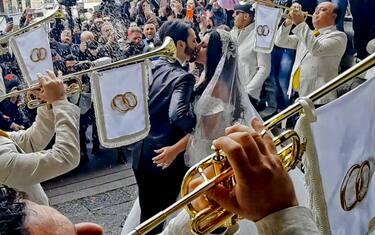 nozze_trash_napoli_ansa