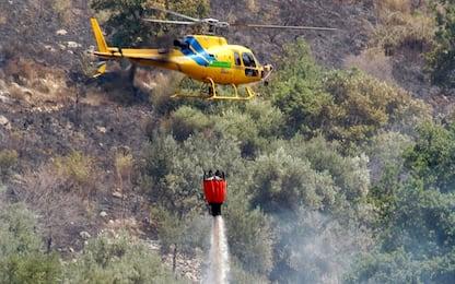 Incendio a Lipari: in azione anche un canadair e un elicottero