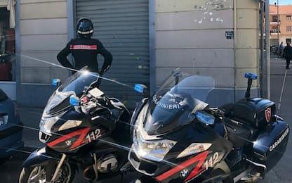 Torino, spinge la convivente fuori dalla finestra: arrestato 27enne