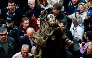 hero_processione_cocullo_serpenti_getty4_copia