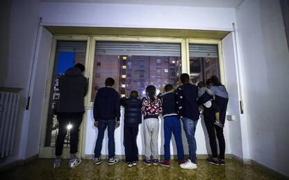 Roma, proteste di residenti e CasaPound per casa assegnata a nomadi